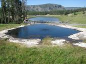 yellowstone-national-park-pond-1093682.jpg